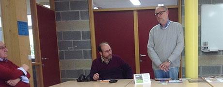 Familiekunde Vlaanderen op bezoek in het stadsarchief van Moeskroen